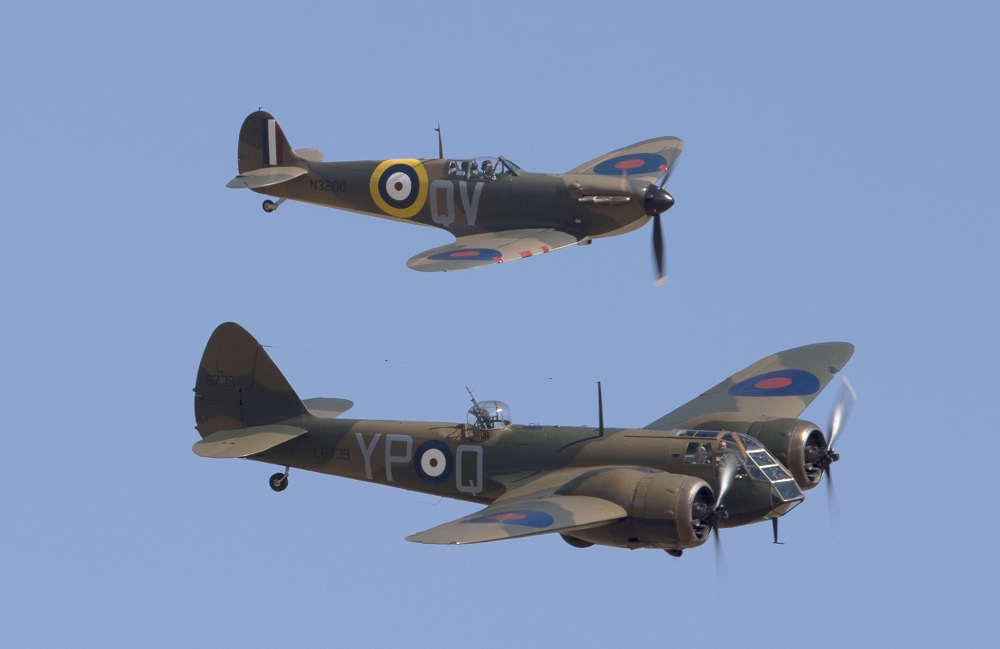 Bristol Blenheim Mk.IF and Supermarine Spitfire (N3200) Mk.Ia