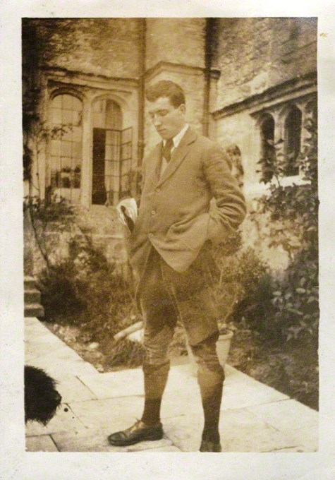 Robert Graves by Lady Ottoline Morrell, 1920. NPG Ax140911. © National Portrait Gallery, London.
