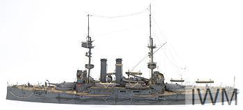 A SCALE MODEL OF THE BRITISH BATTLESHIP HMS CANOPUS.