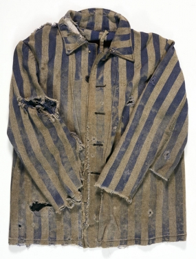 Majdanek served as a slave labour camp that provided materials and manpower for German construction projects in occupied Poland and the Soviet Union. This jacket is part of the uniform worn by prisoners at Majdanek.