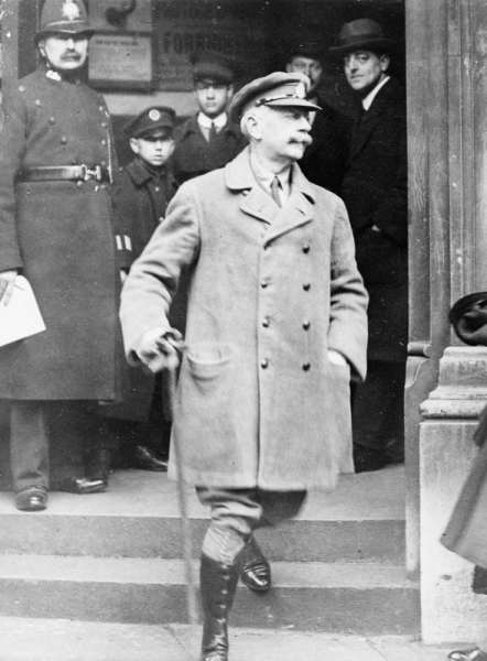 Repington, leaving Bow Street Magistrates Court, after his prosecution for offences under the Defence of the Realm Act.