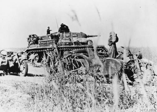 IWM HU 111385 A Panzerbefehlswagen Ausf H (Panzer III) command tank and motorcycles of General Guderian's 2nd Panzer Group, part of Army Group Centre, during Operation Barbarossa, summer 1941.