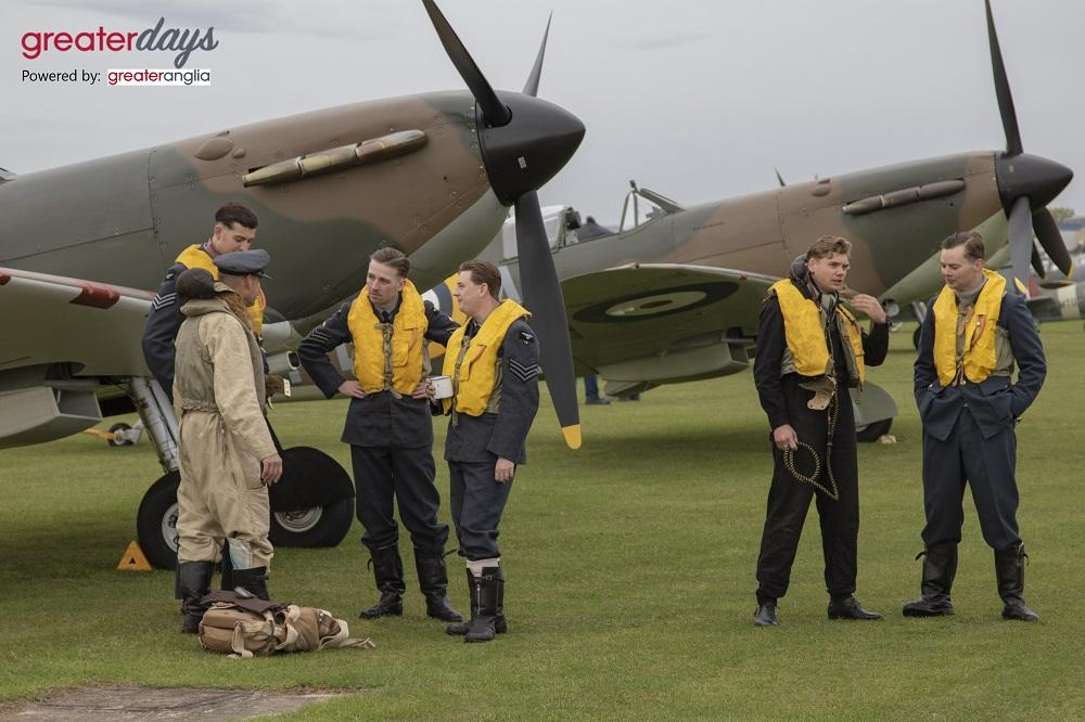 19 Squadron actors with Spitfires
