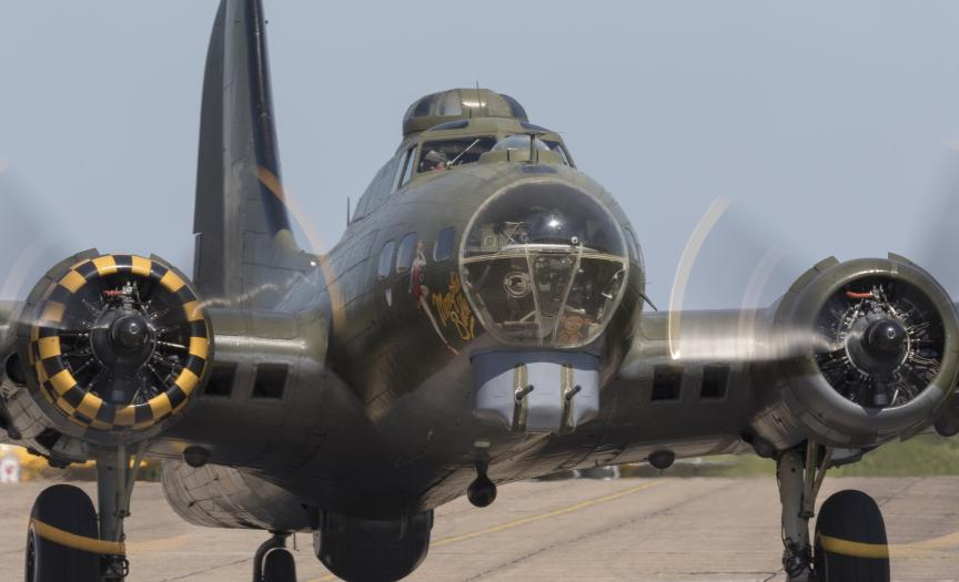 B-17G Flying Fortress taxiing head on