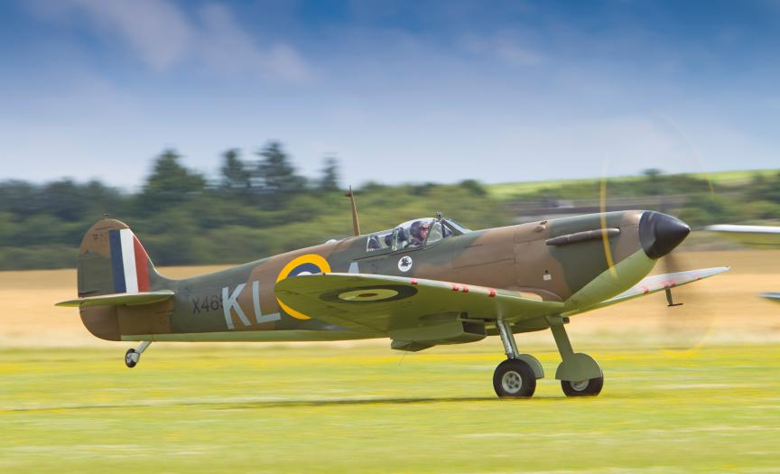Spitfire X4650 taking of at IWM Duxford