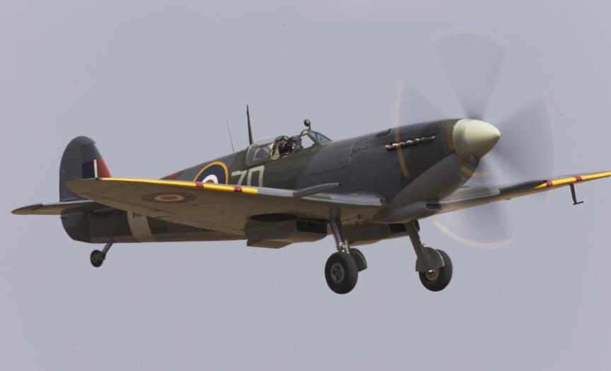 Spitfire Mk.IXb landing