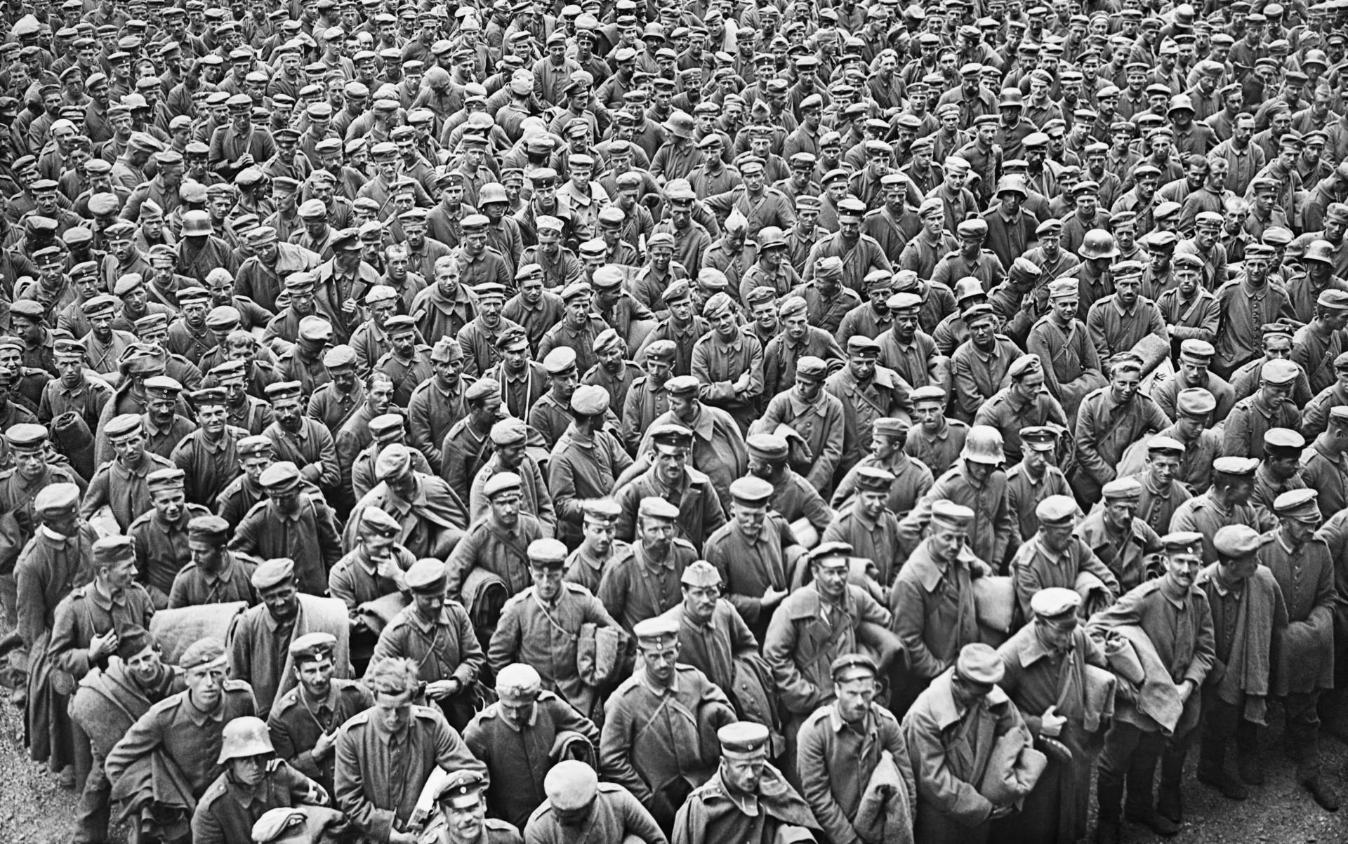 A crowd of German prisoners taken by the British Fourth Army in the Battle  of Amiens