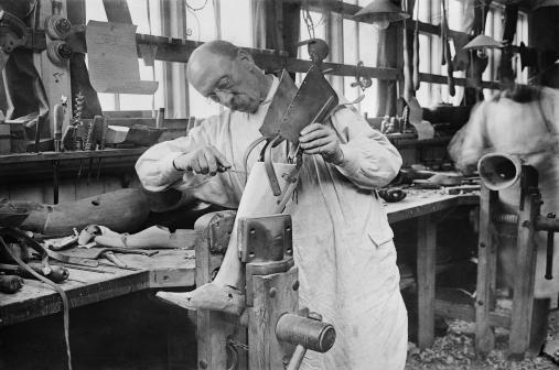 Making an artificial leg for a wounded serviceman at Roehampton Hospital in Surrey.