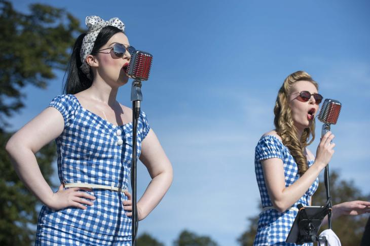 Singers at Battle of Britain Air Show