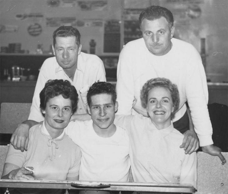 Cynthia (front left) and Joyce (front right) and their bowling team, 1958. Photo courtesy of the Digney family.
