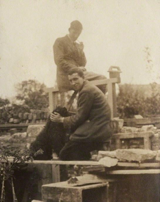 Siegfried Sassoon and Robert Graves by Lady Ottoline Morrell, September 1920. NPG Ax140882. © National Portrait Gallery, London.