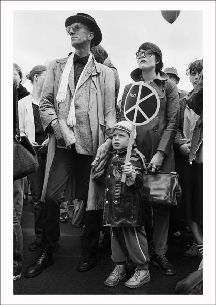 Labour Party 'Nuclear Arms No – Peace Yes' rally in Hyde Park, London, 1980. Image © Edward Barber.