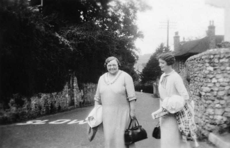 Georgina Landemare and her sister, 1935. Image © Georgina Landemare's family.